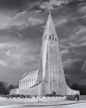 photo of Hallgrimskirkja Cathedral